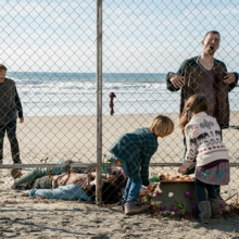 FTWD 202 Harry Willa Fence.png