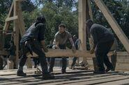 9x02 Daryl and Aaron and Savior planking