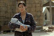 FTWD 6x09 Rachel and Baby Morgan