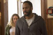 Fear-The-Walking-Dead-S02E15-11-Victor-Strand-Alicia