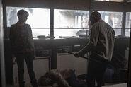 5x11 Al and Morgan kill walkers