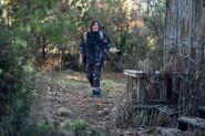 10x18 Daryl Exploring