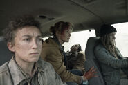 5x01 In the car 2