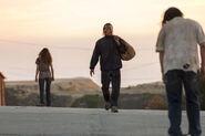 Fear-The-Walking-Dead-S02E15-1-Nick