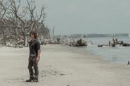 10x01 Daryl beach