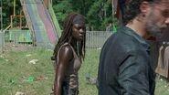 Michonne and Rick 7x12 Carnival