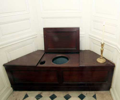 Elizabeth I's Toilet