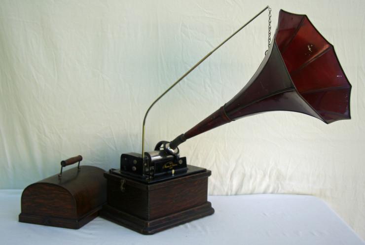 1900s Gramophone
