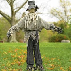 Giant-lifesized-scarecrow-1.jpg