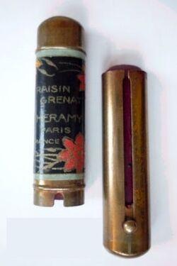 History-of-makeup-Lipstick-1920s-Charamy1.jpg