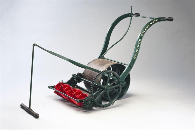 Edwin Budding's Lawnmower