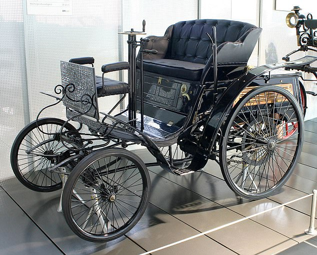 Walter Arnold's Motor Carriage