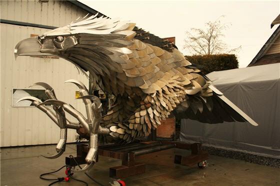Caucasian Eagle Automaton
