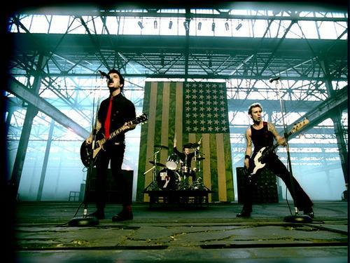 """American Idiot"" Stage Set"