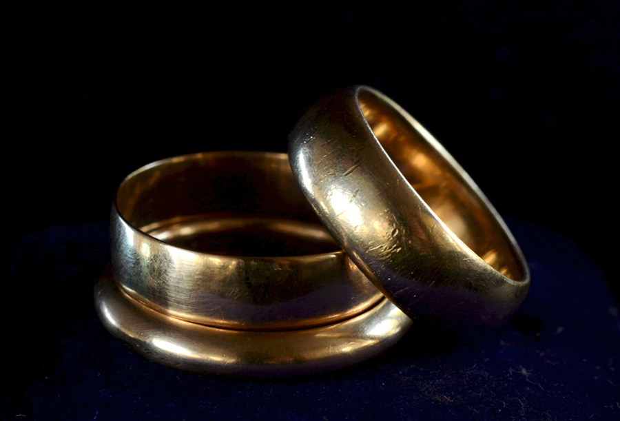 Chang and Eng Bunker's Wedding Rings