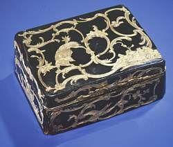 Claude Louis Berthollet's Snuff Box.jpg