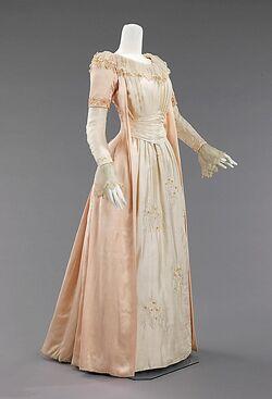 Emma Smith's Gown.jpg