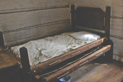 Rope-beds-with-trundle.png