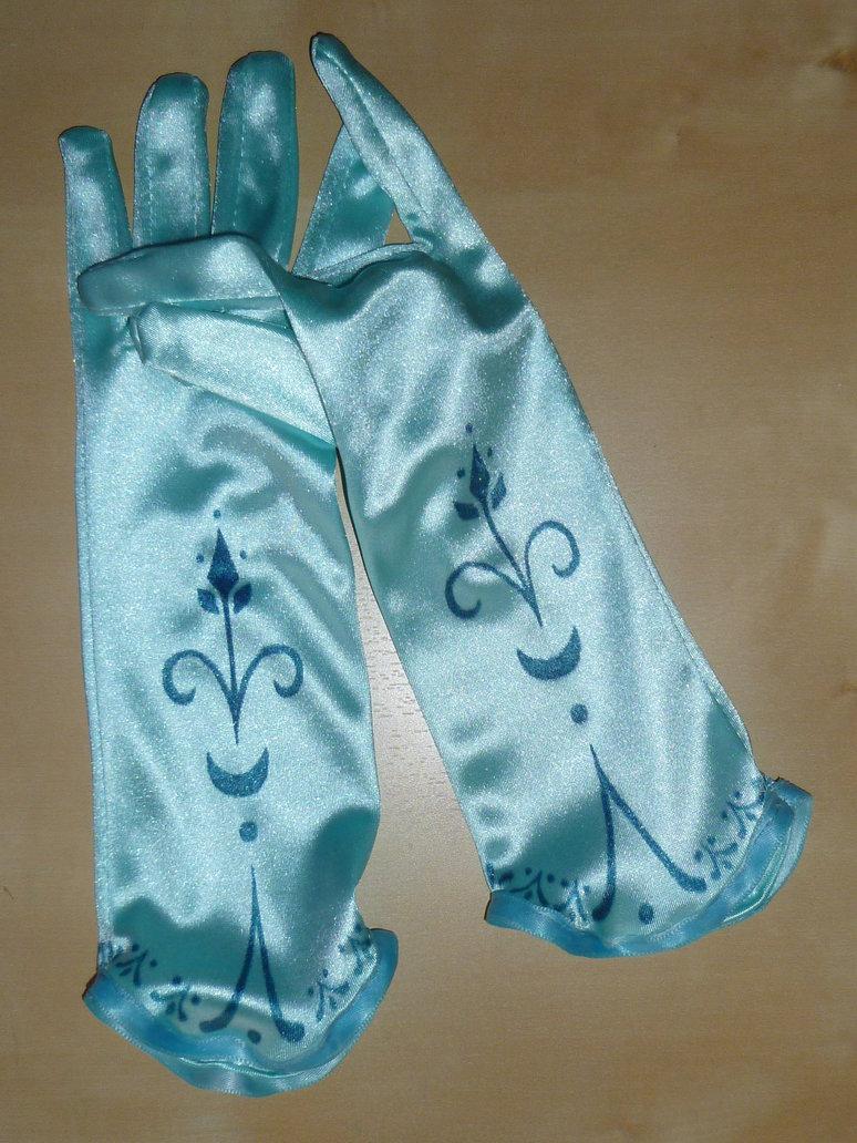 Elsa's Gloves and Cloak