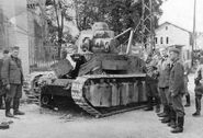 Брошеный при отступлении танк, июнь 1940 г. (4)