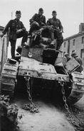 Брошеный при отступлении танк, июнь 1940 г. (2)