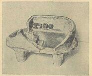 Глиняна модель житла, знайдена на поселенні Сушківка (розкопи В. Є. Козловської 1916 р ).