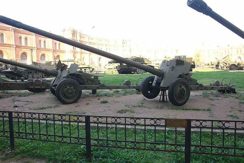 100-мм противотанковая пушка Т-12