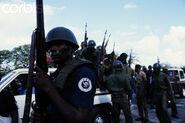 Тонтон-макуты занимают улицы гаити 1 января 1986 года