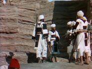 Четыре пера (1939) DVDRip.avi snapshot 01.30.35
