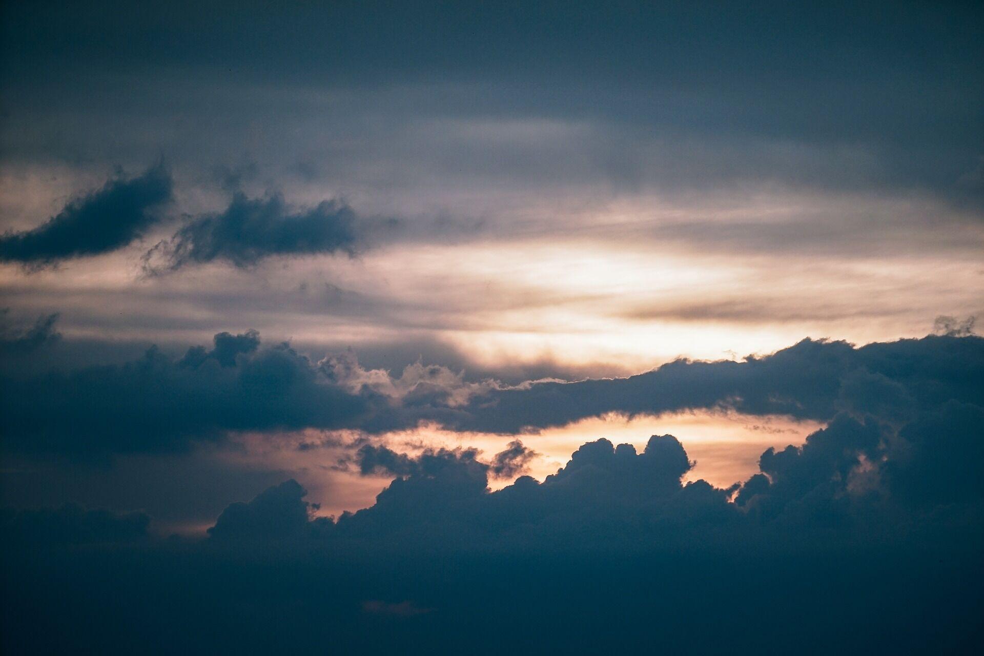 Cloudbackgroud.jpg