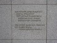 Tablica 2 na tylnej ścianie pomnika Umschlagplatz (2)