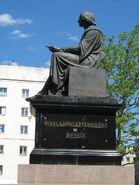 Pomnik Kopernika uszkodzony