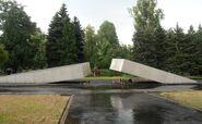 Cmentarz Wojskowy (pomnik ofiar katastrofy smoleńskiej)