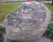 Skwer 7pp Armii Krajowej Garłuch (kamień pamiątkowy,