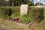 Aleja Solidarności, Karolkowa (kamień)
