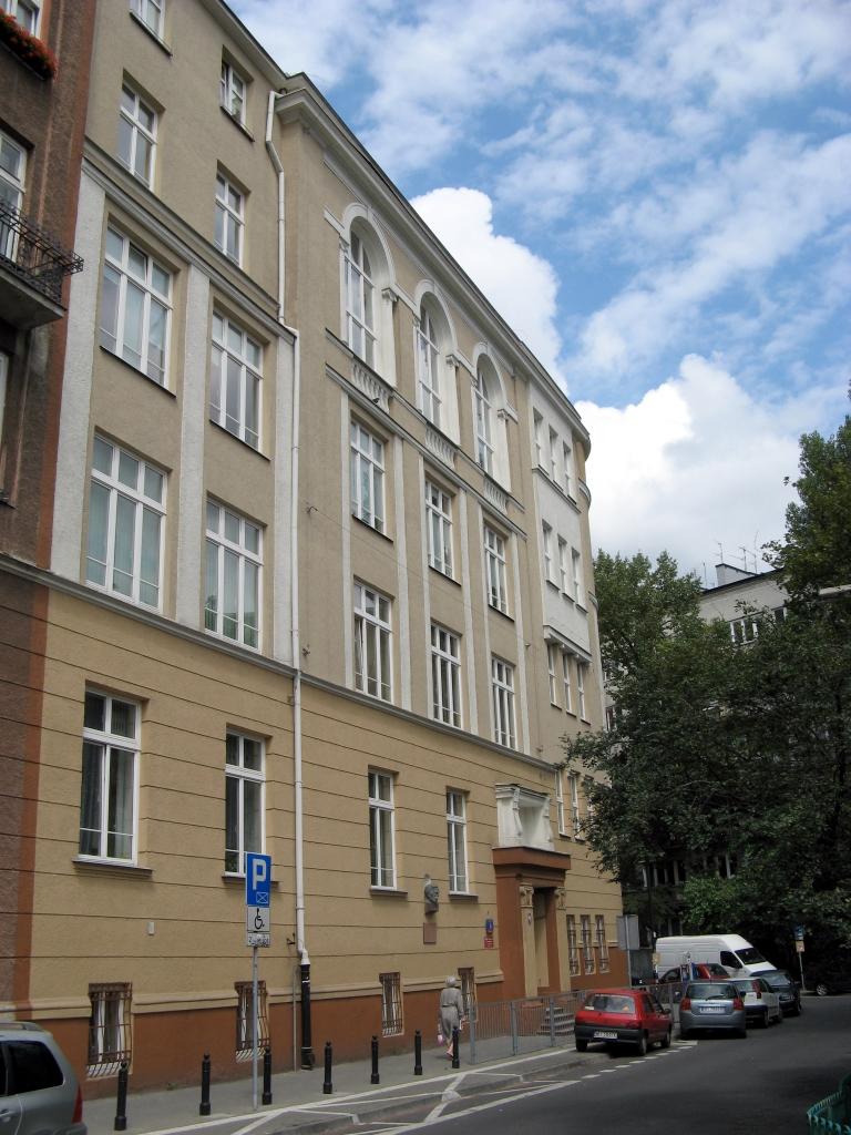 LXXXIII Liceum Ogólnokształcące im. Emiliana Konopczyńskiego