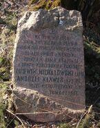 Mogila powstancza na Polach Wilanowskich kamien