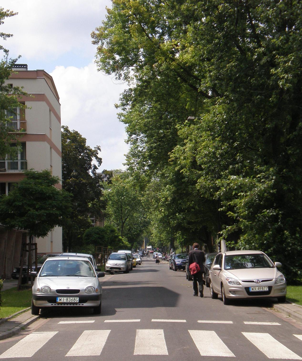 Ulica Miła w Śródmieściu i na Woli