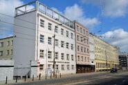 Budynki MDK Muranów i ZSE nr 1 przy Pomniku Umschlagplatz