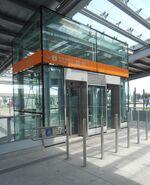 Wwa Lotnisko Chopina (windy na stację)