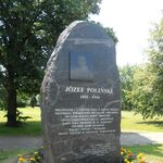 Pomnik Polinskiego.JPG