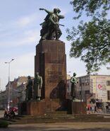 Pomnik-braterstwa-broni