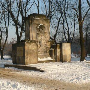 Pomnik Zolnierzy Radzieckich Zima.JPG