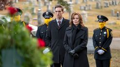 S01 E03 laurie and petey at funeral