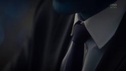 S1e8 suit close