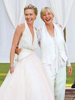 Celebrity-wedding-dress--ellen 305 407 100.jpg