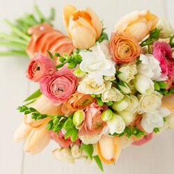 Spring wedding bouquet.jpg