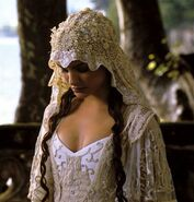 04-wedding-dress-in-movie-of-star-wars