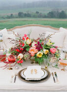 Love-the-sophistication-for-this-fall-centerpiece