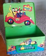The-Wiggles-tin-lunch-box-with-Dorothy-The
